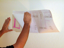 How to apply vinyl lettering - photo 2